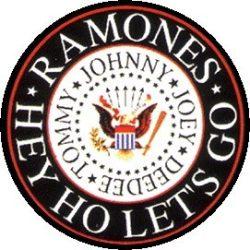 RAMONES: Logo kitűző